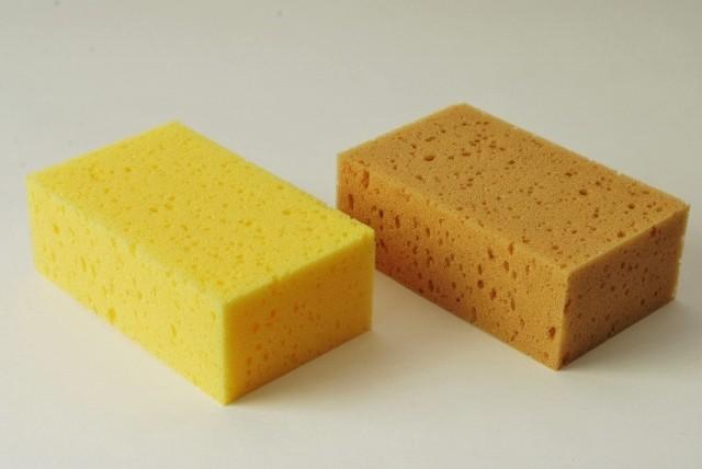 Tafelschwamm mittelgroß, 16 X 10 X 6 cm, wahlweise in gelb oder braun