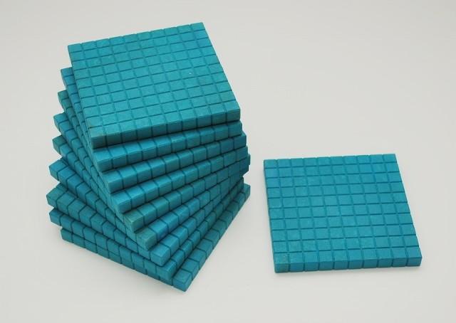 Dienes Hunderterplatte blau, aus Re-Wood, 10 Stück