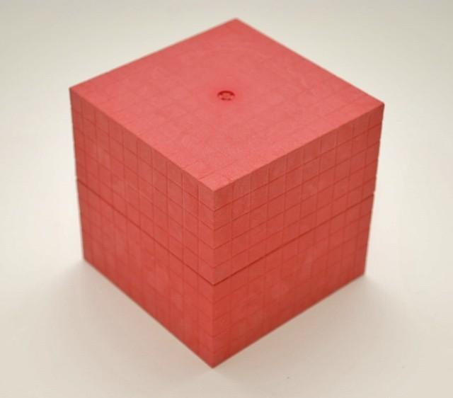 Dienes Tausenderwürfel rot, aus Re-Wood, 1 Stück