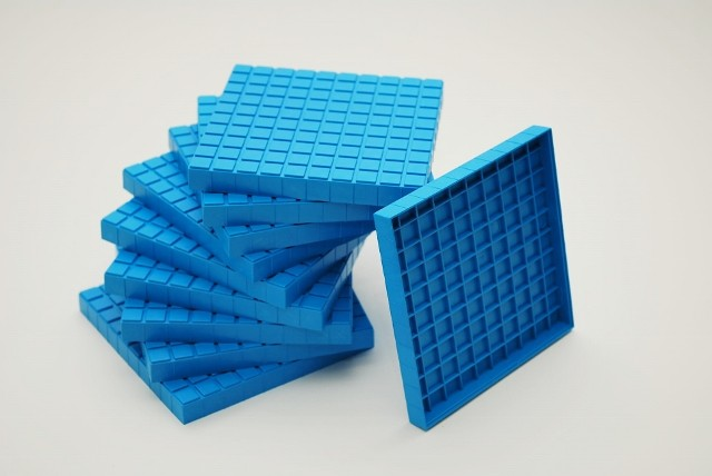 Dienes Hunderterplatten blau, aus Re-Plastik, 10 Stück