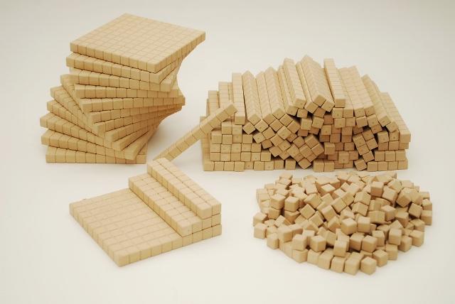 Dienes Produkte aus Re-Wood Holzwerkstoff