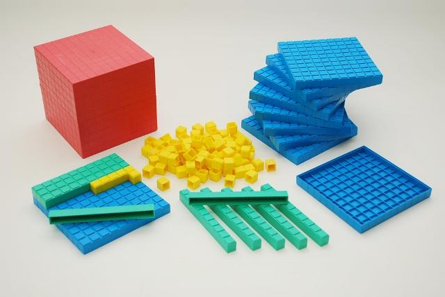 Dienes Produkte aus Re-Plastik (100 % Recycling Kunststoff)